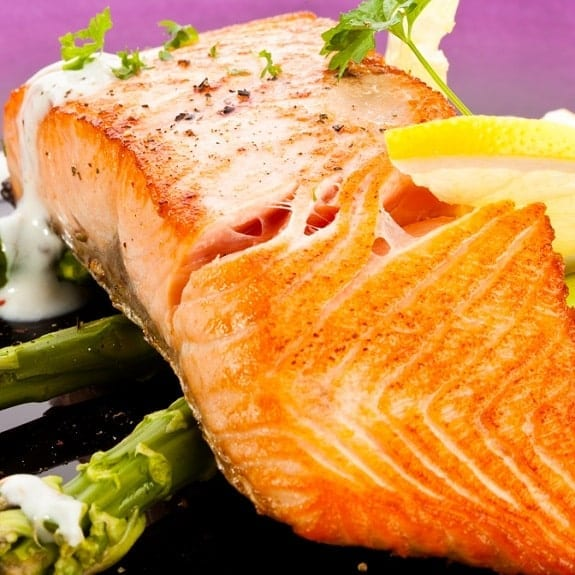 broiled salmon fillet with asparagus sauce recipe