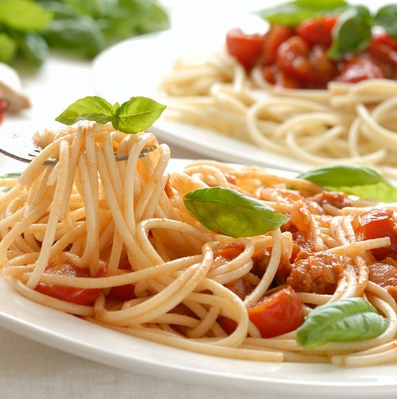cooked Itlian spaghetti with chicken sauce recipe