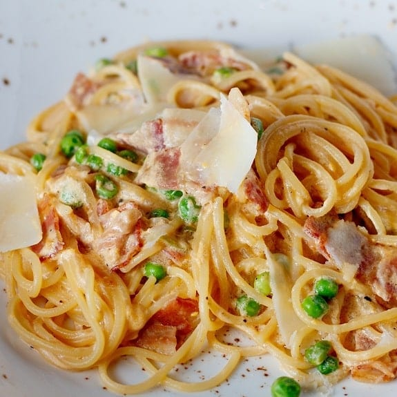 spaghetti with ham and peas recipe