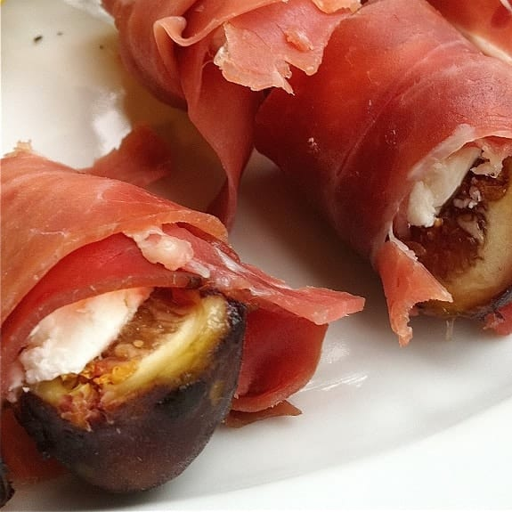 oven grilled figs with prosciutto
