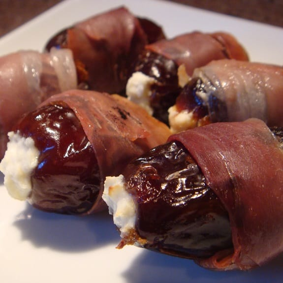 prosciutto wrapped dates