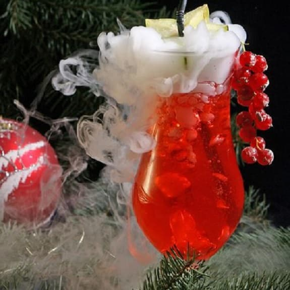 christmas cosmo cocktail
