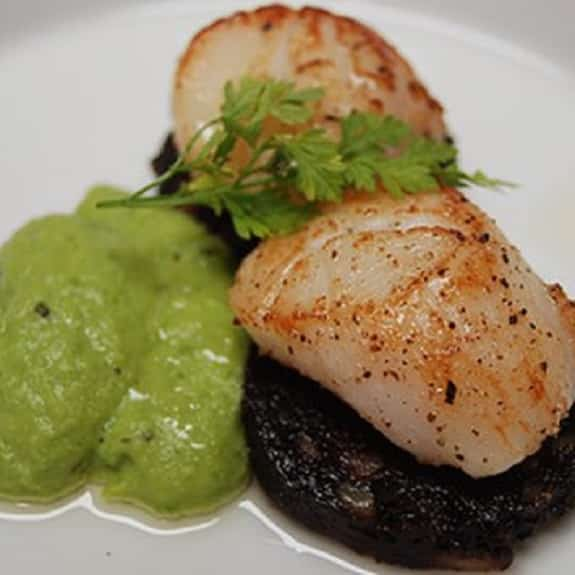 fried scallops with black pudding