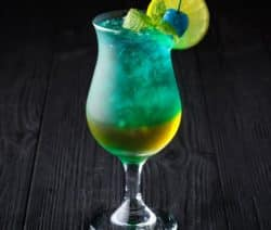 classic blue hawaiian cocktail recipe