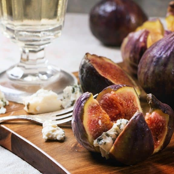fig and cheese canapes recipe